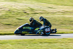 Mark Saunders & Steve Gaunt, Open Sidecar, Derby Phoenix, Cadwell Park, 2011