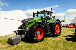 Fendt 1050 at Lincolnshire Show, Lincolnshire Showground, Lincolnshire, June 2018. Photo: Neil Houltby