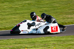 Miles Bennett & Kevin Perry, Sidecar, NG, Cadwell Park, 2011