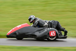 Wesley Pettman & Ben Snashall, BMCRC, Cadwell Park, 2013-09